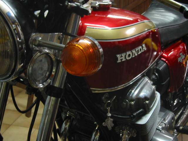 honda cb750 finition. Black Bedroom Furniture Sets. Home Design Ideas